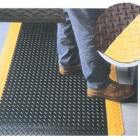 Diamond Plate Vinyl Fatigue Mats